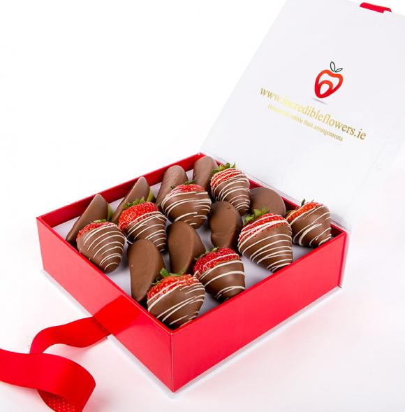 Chocolate Berry box with Apple wedges