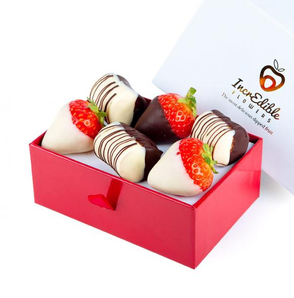Mini Chocolate Berry Box with bananas