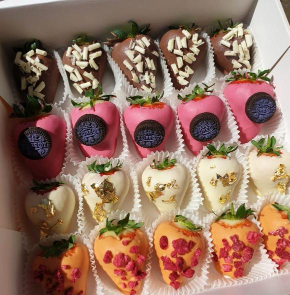 Premium Berry Box 20