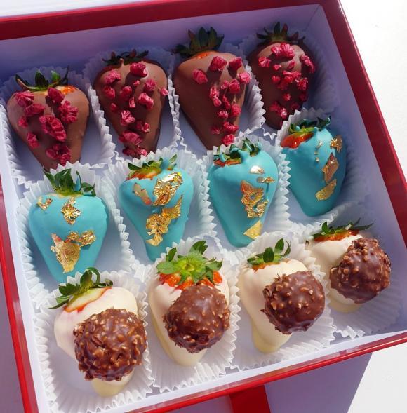 Premium Berry Box 12